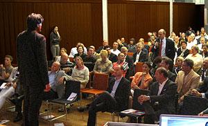 Speaker-Cherno-Jobatey-Vortrag-Das-Digitale-David-Prinzip-17-HypoVereinsbank-Muenchen