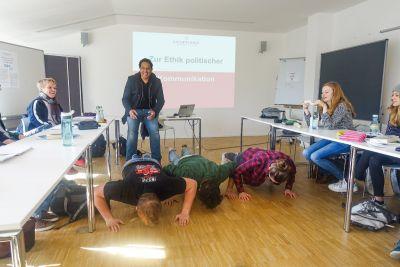 Cherno Jobatey teaches old school at Leuphana